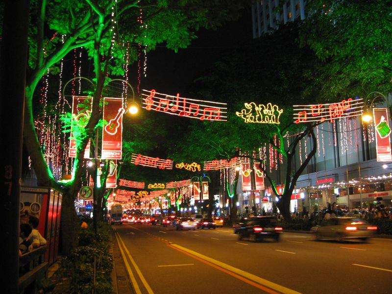 Orchard_Road_light_up_Xmas_2005