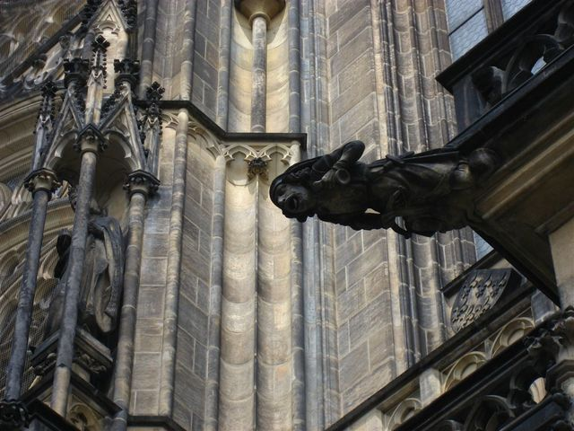Prague_castle_cathedral_gargoyle